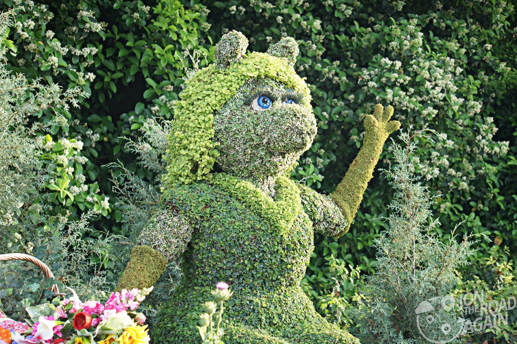 Miss Piggy Topiary