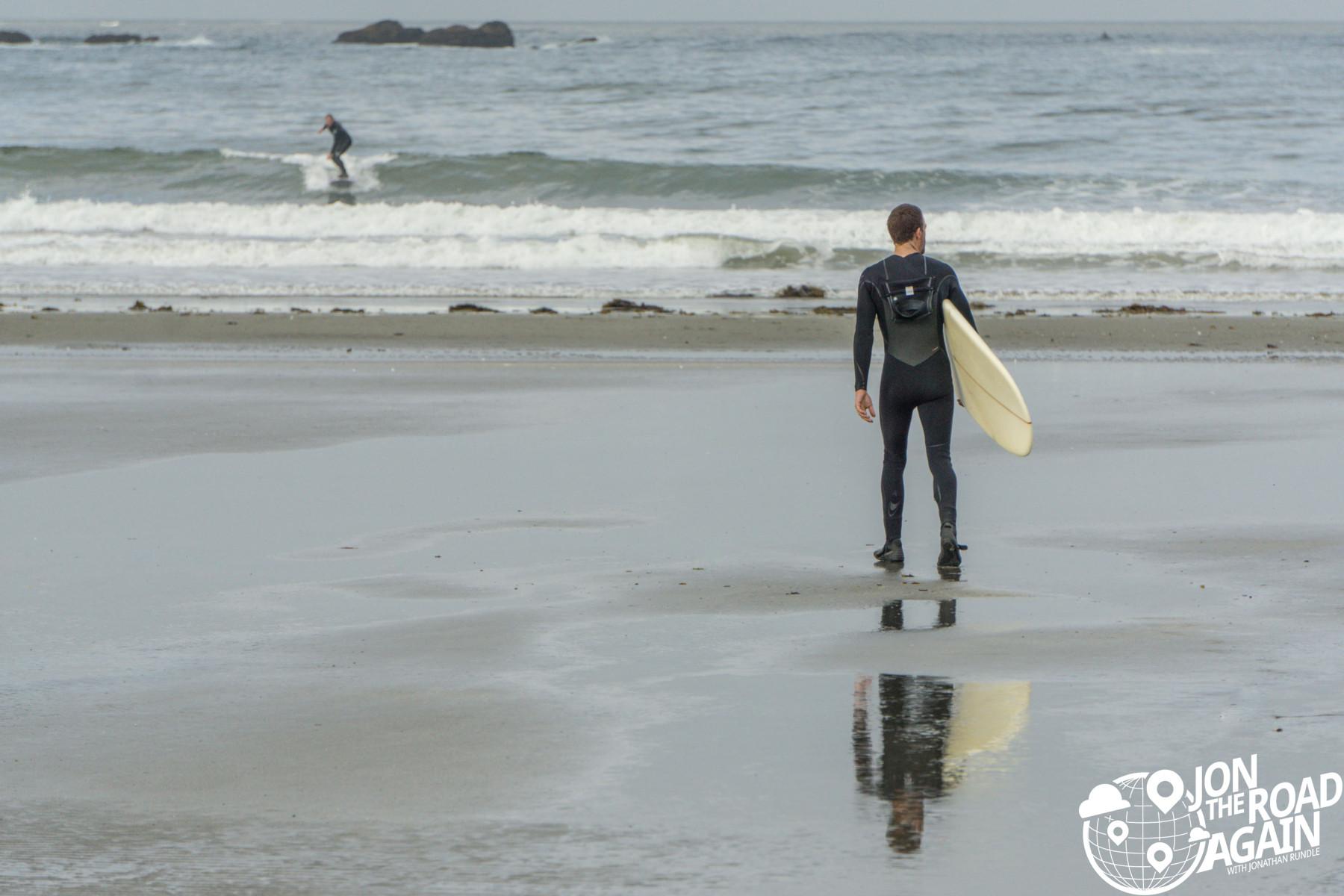Hobuck beach surfer