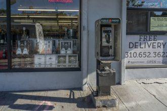 River Phoenix death Joaquin Phoenix Pay phone