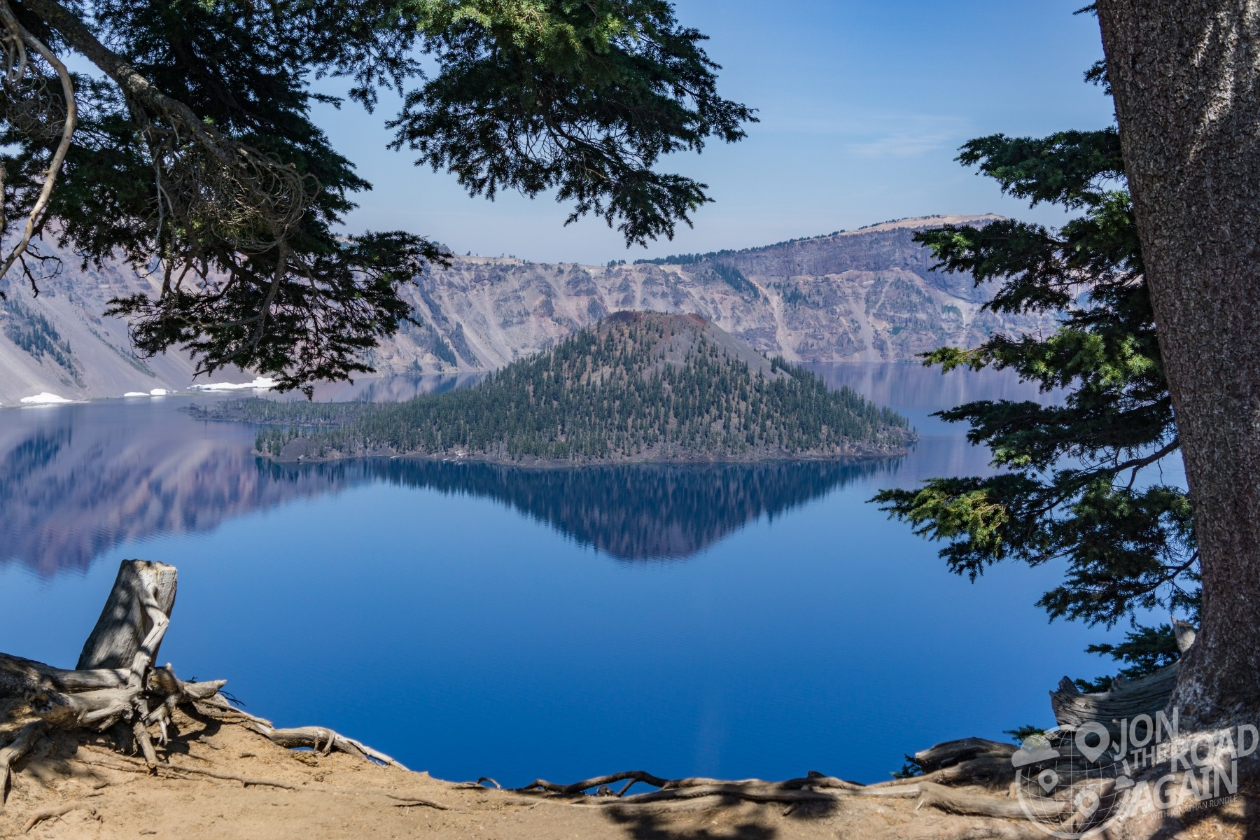 wizard island at crater lake