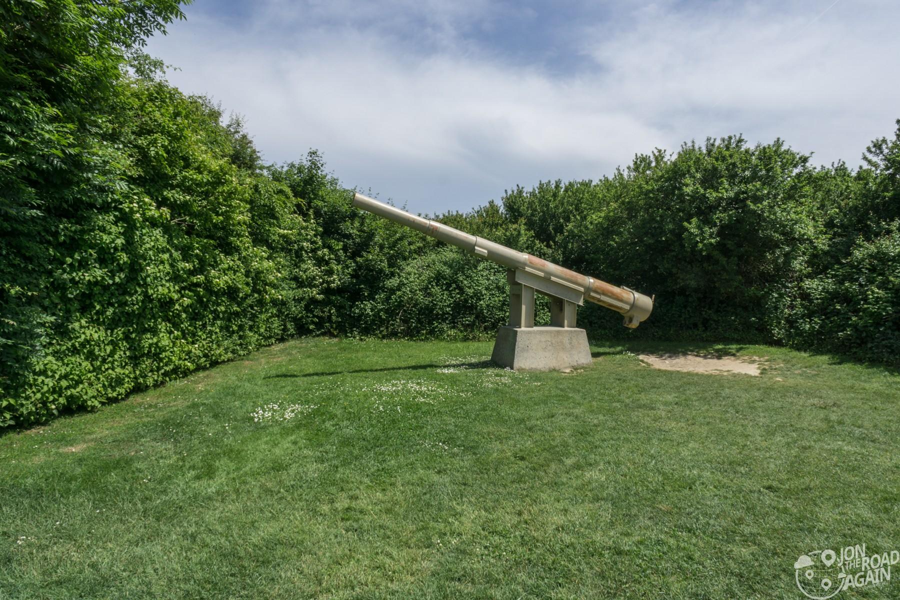 Pointe du Hoc gun