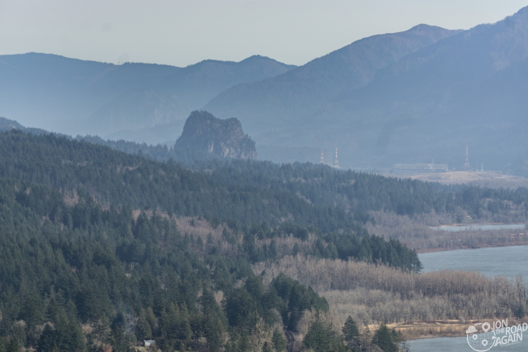 Hiking Beacon Rock