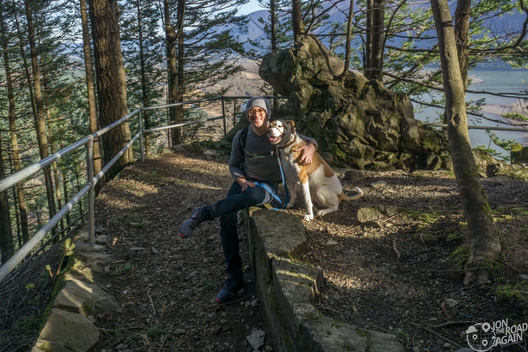 Hiking Beacon Rock