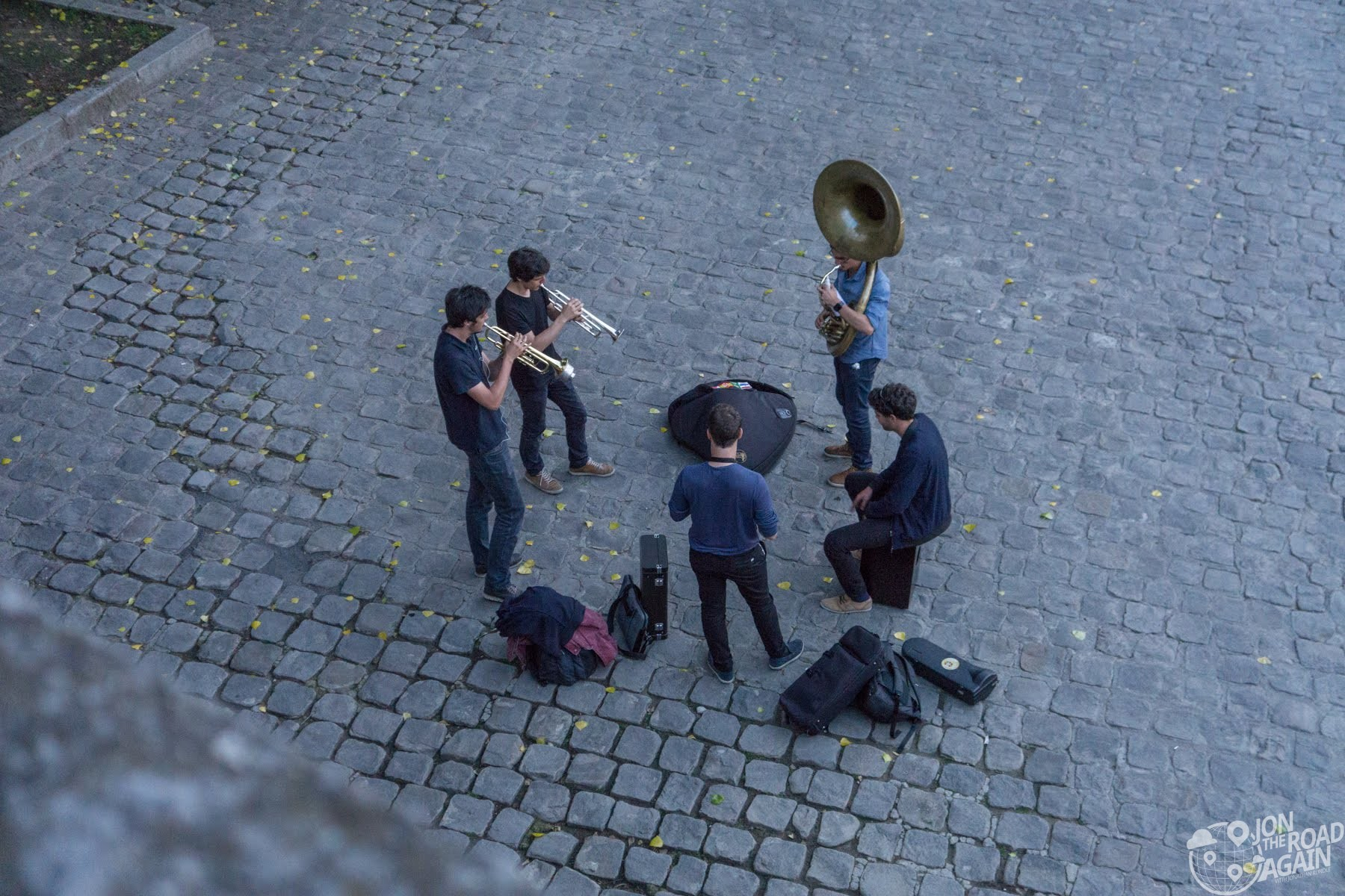 Band on the River Seine