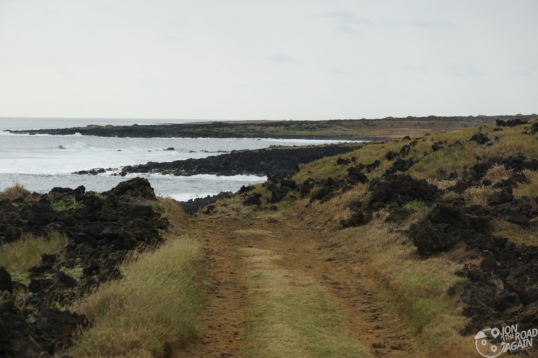Trail to Papakōlea Green Sand Beach