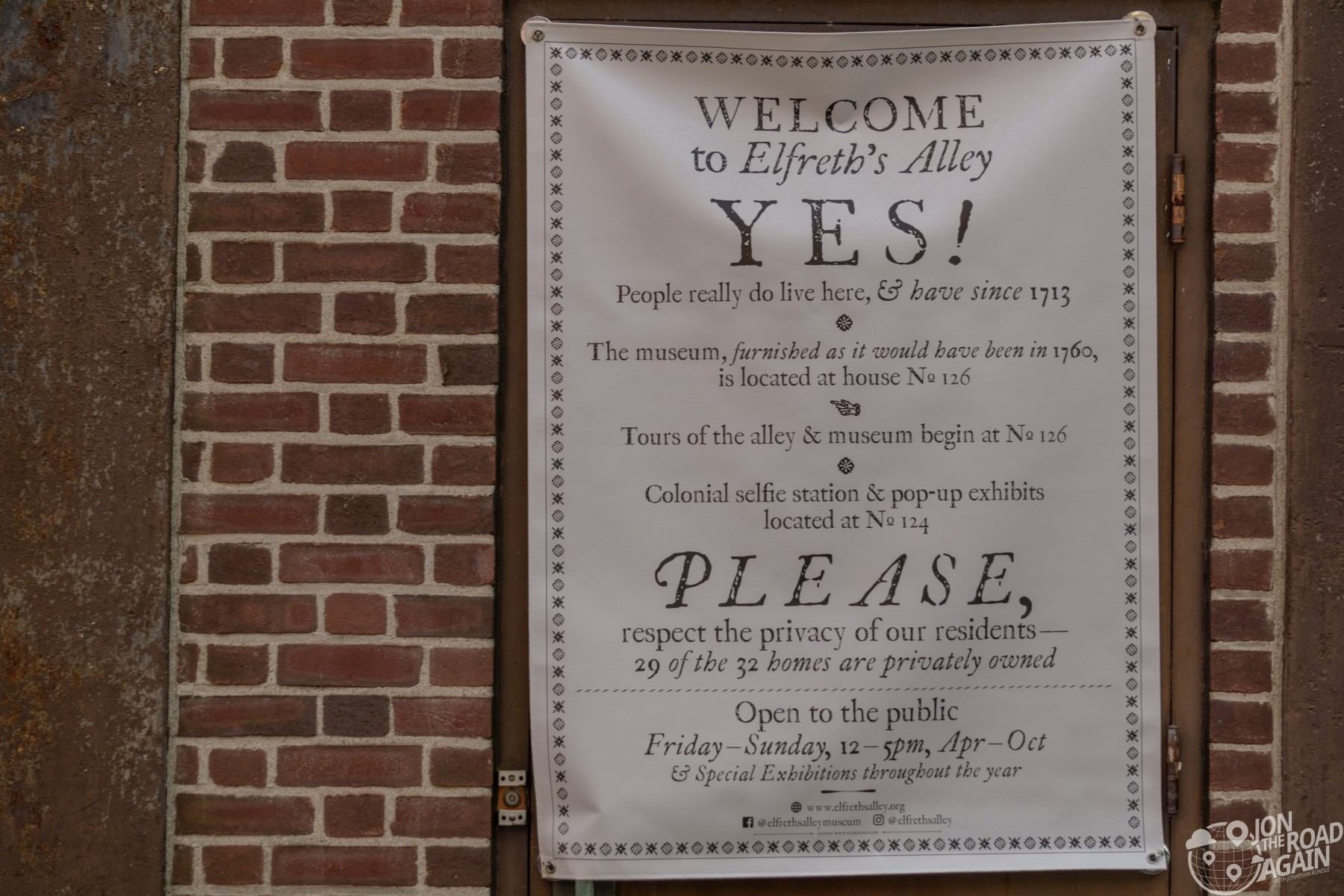 Elfreth's Alley Welcome sign