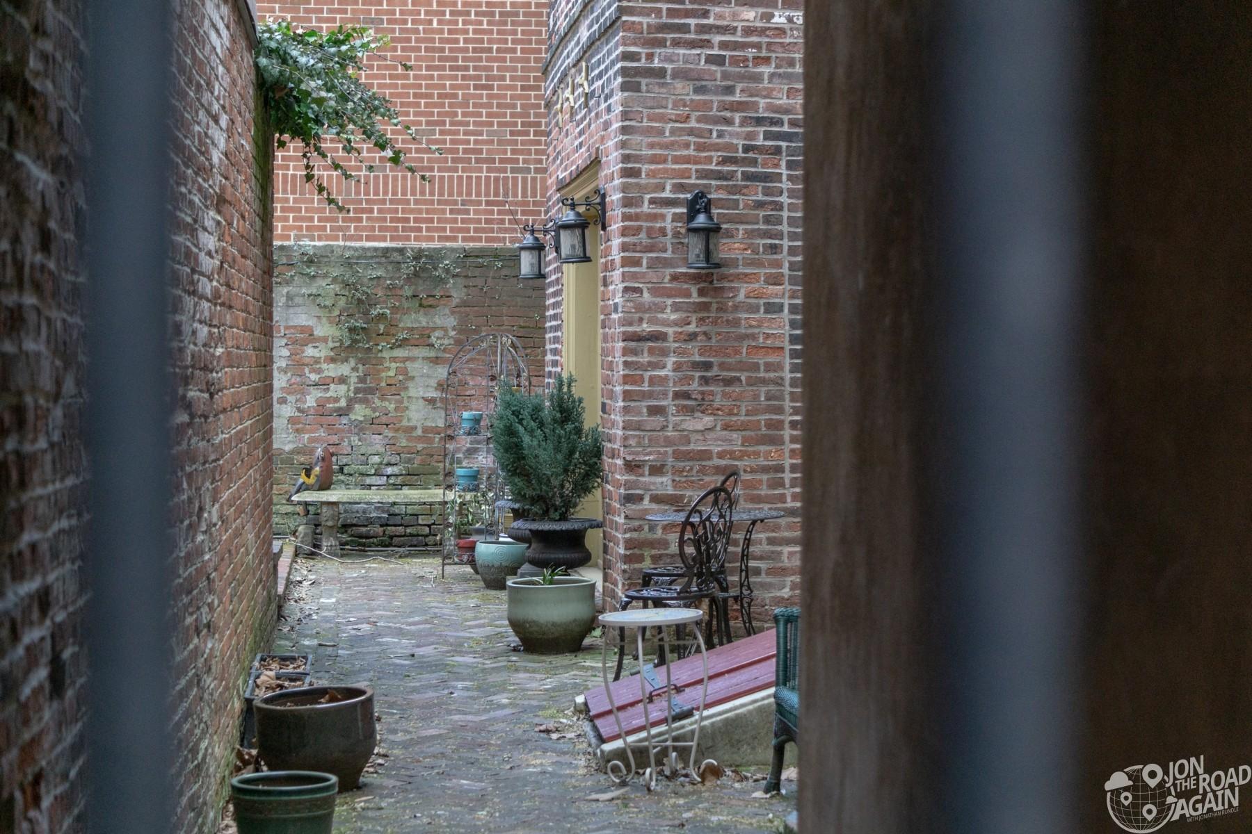 Elfreth's Alley Courtyard